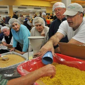 Volunteers Learning How to Help | Meals of Hope Marco Island - Meal Packing to End Hunger